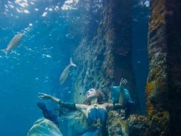 immaginazione - questa non è una donna che sta annegando