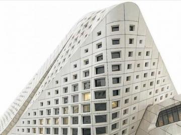 bâtiment  - mise en œuvre architecturale futuriste