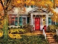 A ház őszi színekbe van csomagolva