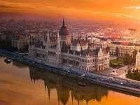 Wschód słońca nad Budapesztem - Wschód słońca nad Budapesztem