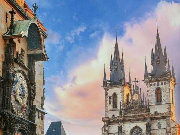 Erstaunliches Prag - Puzzlefahrten, Richtung Prag, Tschechien