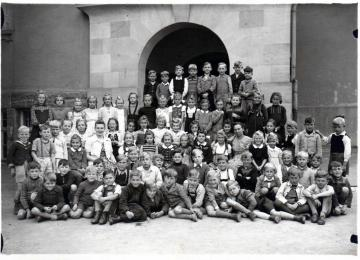 class Photo - Born in 1939/40 at the Klosterhofschule