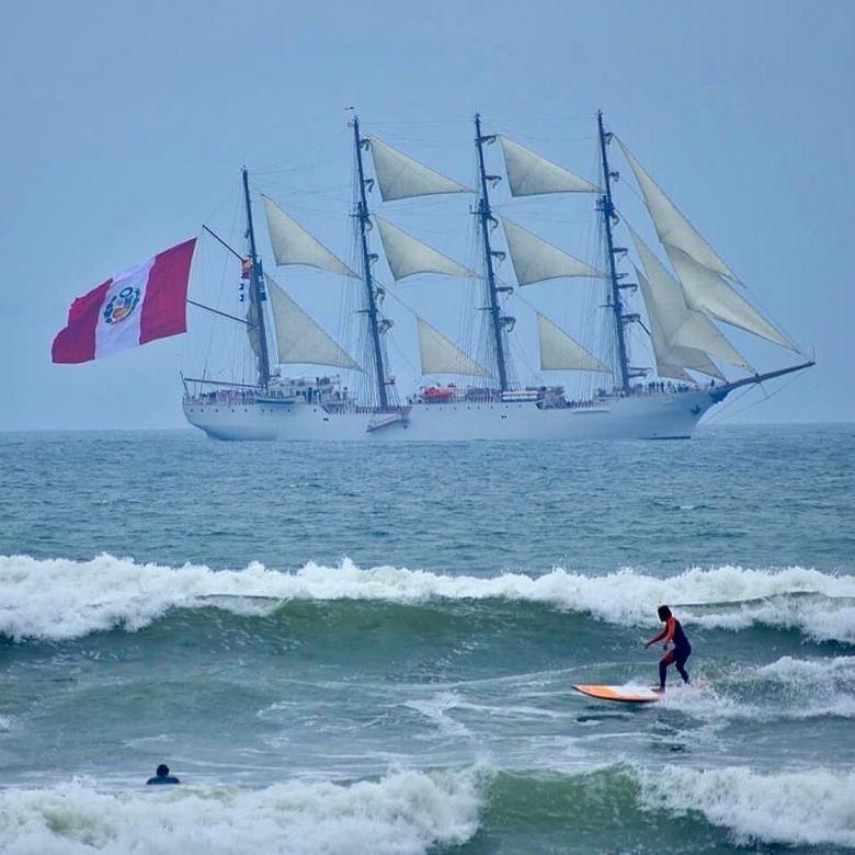 BAP Union - szörfözés Peruban