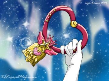 水晶聖鈴 - 由粉紅月亮神杖升級而來,水手小月亮以搖鈴來呼喚天馬