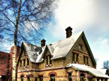 West Charlottetown has such beautiful houses - Zachodnia ulica Charlottetown ma takie piękne domy