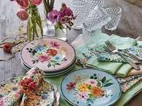 Ένα πιάτο με λουλούδια - Ένα πιάτο με λουλούδια
