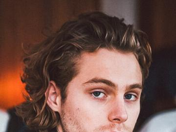 Luke Hemmings - Vocalist of 5 Seconds of Summer