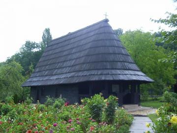 Balkans - Monastère - quelque part dans les Balkans