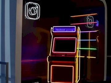 FB / IG Arcade - Czerwona i żółta automat do gier.