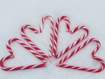 … Amour de canne à sucre  - Red-and-white candy cane lot. UK