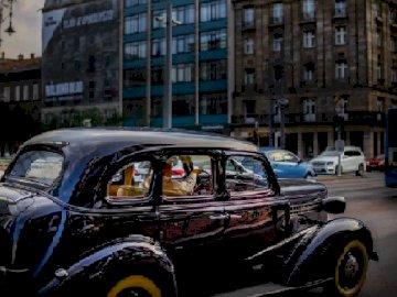 Czarny stary samochód - Czarny stary samochód