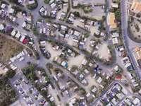 Chaos, véhicules - Photographie aérienne des routes et des maisons. Allemagne