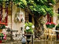 Οδός του Παρισιού - Οδός Παρισιού, καφετέρια, τραπέζια, λουλούδια