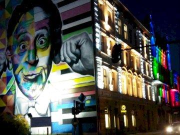 Mural i światło - murale,Łódź,sztuka,festiwal światła