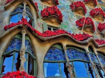 The unusual Casa Batlló tenement house in Barcelon - oh oh oh oh oh oh oh oh
