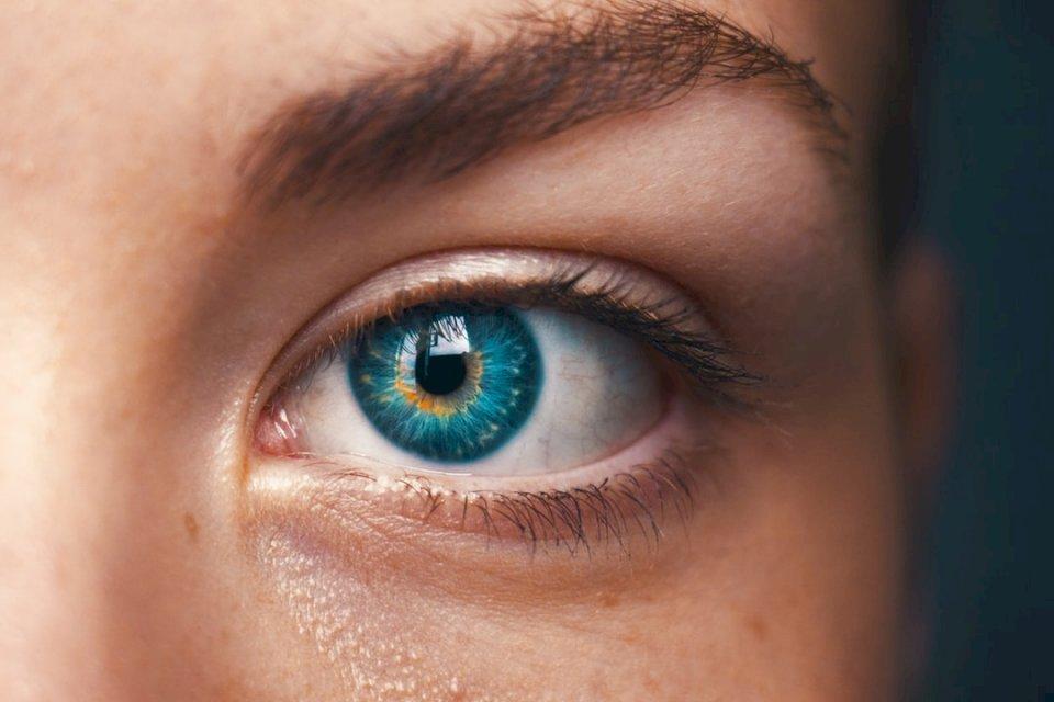 Gli occhi non dicono bugie - Messa a fuoco selettiva di persona dagli occhi blu. Gothenburg (10×10)