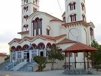 panoramă - Nei Pori, mare biserică