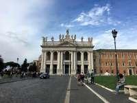 Roma au soleil - Voici une photo prise à Rome lors d'un voyage. Souvenir d'un jour ensoleillé qui se tran