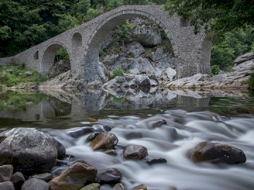 marie-do - a very old bridge over the water