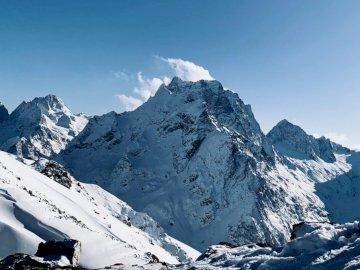 Góry Dombai - Biała śnieżna góra.