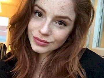 bellezza naturale - lentiggini e capelli rossi