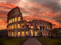 Római Colosseum naplementekor