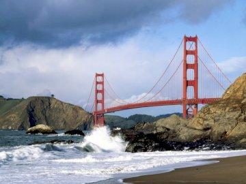 Golden Gate Bridge, Ameryka - Golden Gate Bridge. Jest to most wiszący łączący San Francisco z hrabstwem Marin, nad cieśniną