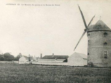 Artenay Histoire & Patrimoine - Carte postale ancienne du moulin d'Artenay (Loiret)
