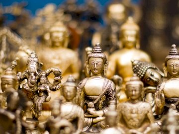 Bouddha, art - Lot de figurines Bouddha Gautama en or.