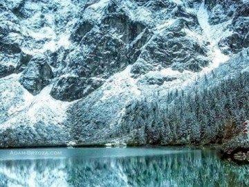 Górska przyroda - zima w górach, śnieg, piękny widok, czysta woda