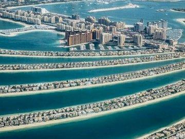 Uma vista do Dubai. - Quebra-cabeça paisagem.