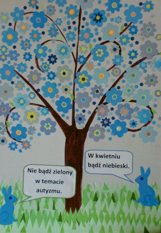 niebieskie drzewo - Żeby świat dzieci z autyzmem był piękny (3×4)