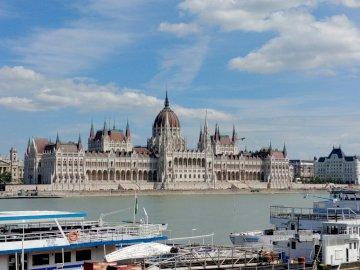 Budapest - Budapest parliament building