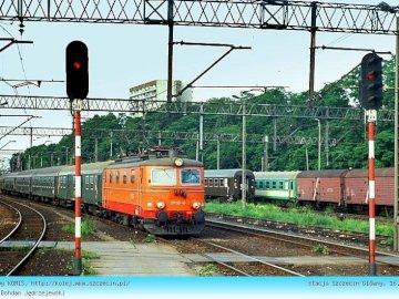 stacja kolejowa - pociągi poruszające się po mieście