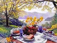 Une belle vue idyllique - Une belle vue idyllique sur les montagnes, le jardin