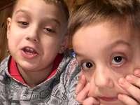 Benio i Rysio - zdjęcie Rysia i Benia podczas wygłupów