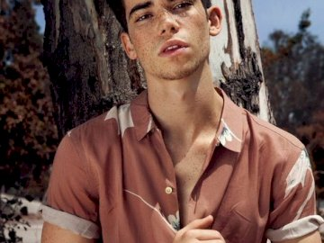 cameron boyce - Famous person, do you know me?