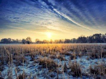 panorama - dolina Wisły o zachodzie słońcca