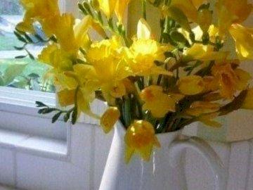 piękne kwiaty w wazonie - piękne kwiaty w wazonie