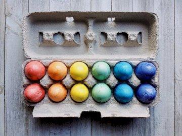 Oeufs colorés - Oeufs colorés appelés oeufs de Pâques