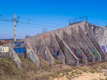 graffiti w plenerze - sztuka sprayu na muralu :)