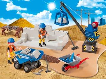 Thydaguy - figurines under construction on a building site