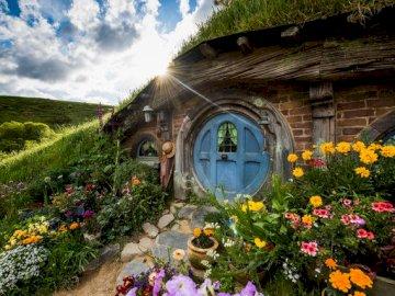 Hobbiton - Hobbit puzzle house