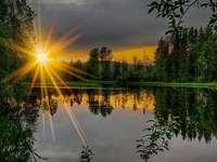 Ανατολή του ηλίου - Τοπίο παζλ.
