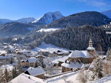 montaż krajobraz - Bardzo ładny górski krajobraz w zimie