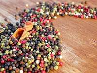 especias - Pimienta colorida dispersa