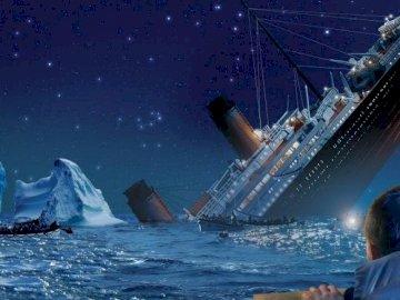 Wspaniały Titanic - Puzzle przedstawiające tonącego Titanica.