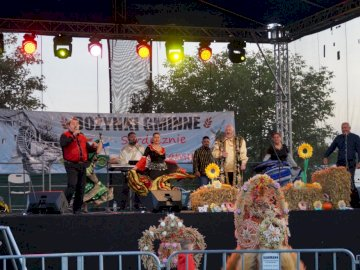 Municipal harvest festival 2019 - Gypsy band performance during the Commune Harvest Festival in Dolice in 2019.