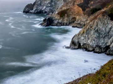 Waterfall in the rain - Rain and fog over the McWay waterfall near Big Sur, in the United States.