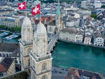 marie-do - Swiss city in summer by the river